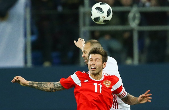 Huong 2 qua penalty, Tay Ban Nha van de Nga cam hoa 3-3 hinh anh 7