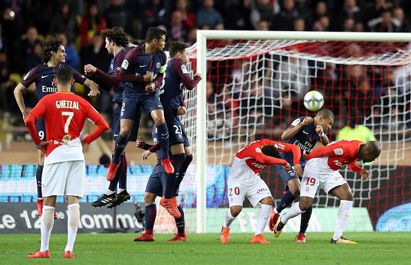 Neymar va Cavani cung ghi ban, PSG xay chac ngoi dau hinh anh 11