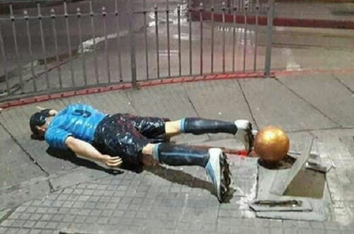 Tuong cua Messi tai que nha tiep tuc bi pha hoai hinh anh 5