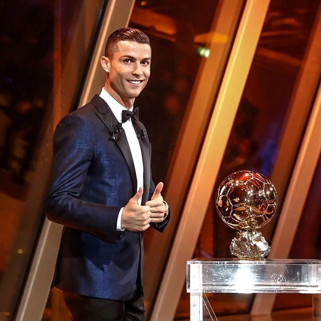 Ronaldo len tieng chot tuong lai hinh anh 1