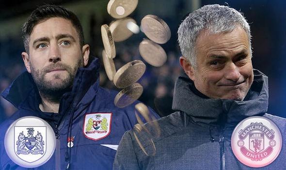 HLV Bristol City dap lon dat cua con gai de mua ruou moi Mourinho hinh anh 1