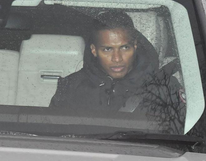 Man Utd don loat vien binh tro lai truoc tran gap Derby County hinh anh 4