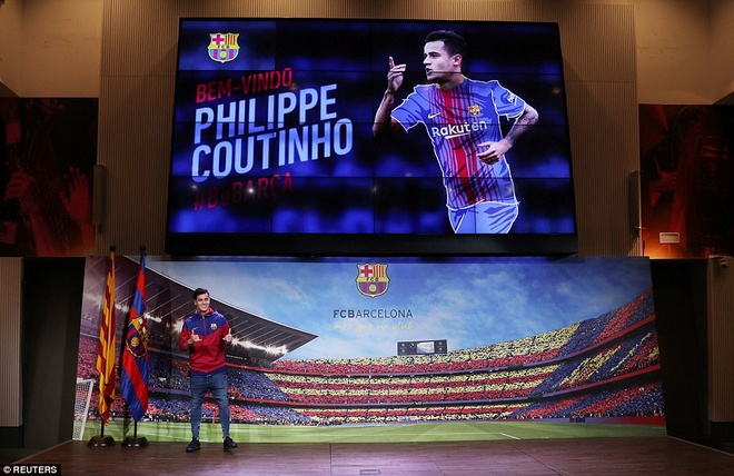 Coutinho rang ro ra mat trong mau ao Barcelona hinh anh 3