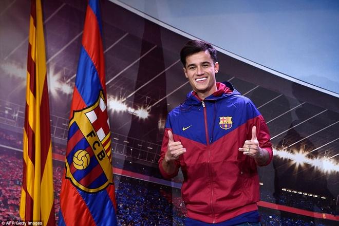 Coutinho rang ro ra mat trong mau ao Barcelona hinh anh 4