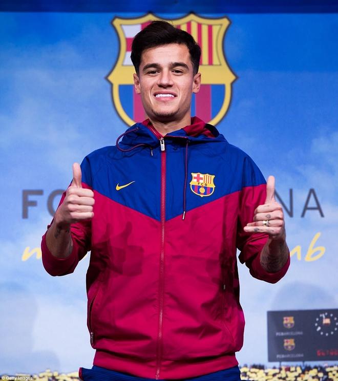 Coutinho rang ro ra mat trong mau ao Barcelona hinh anh 5