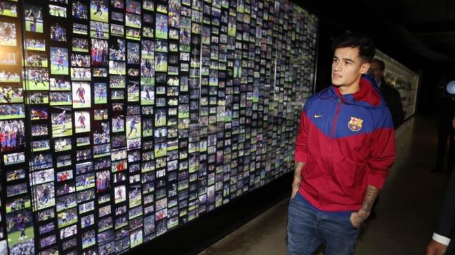 Coutinho rang ro ra mat trong mau ao Barcelona hinh anh 7