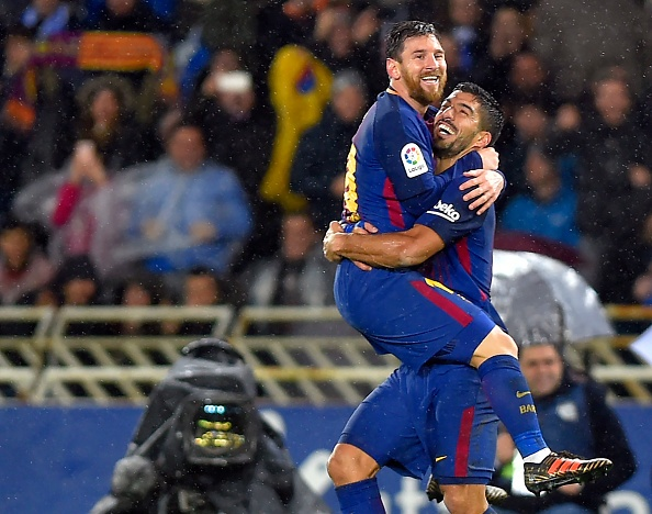 Messi - Suarez lap sieu pham, Barca bo xa Real 19 diem hinh anh 10
