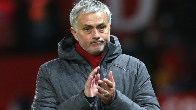 Mourinho chot tuong lai o Man Utd hinh anh
