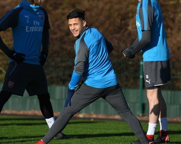 Sanchez da toi Manchester chuan bi kiem tra y te hinh anh 1