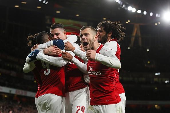 Danh bai Chelsea, Arsenal vao chung ket League Cup hinh anh