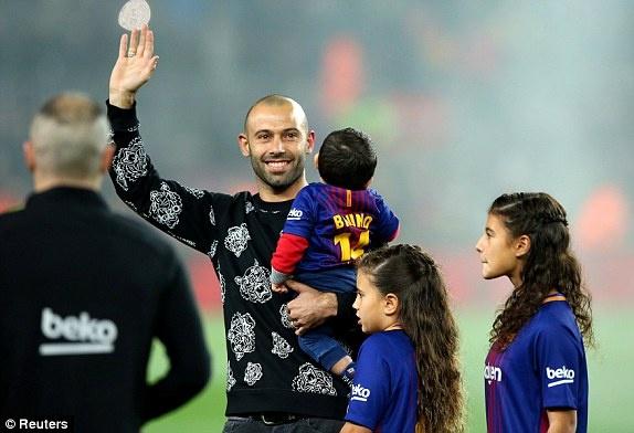 Messi, Suarez ghi ban giup Barcelona tien vao ban ket cup Nha Vua hinh anh 1