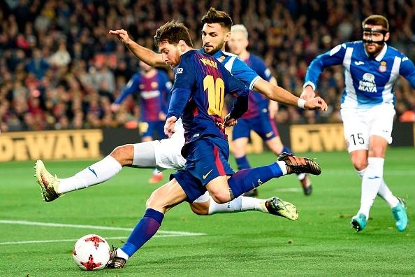 Messi, Suarez ghi ban giup Barcelona tien vao ban ket cup Nha Vua hinh anh 6