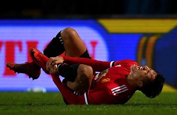 Sanchez cung dong doi gianh chien thang 4 sao tang sinh nhat Mourinho hinh anh 5