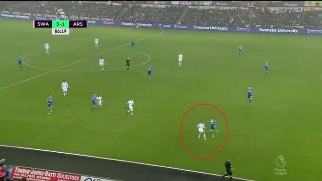 Ra mat Mkhitaryan, Arsenal thua muoi mat truoc doi bong bet bang hinh anh 12