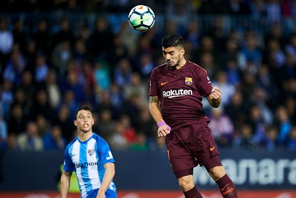 Vang Messi, Barca bay tren doi canh cua Suarez va Coutinho hinh anh 2