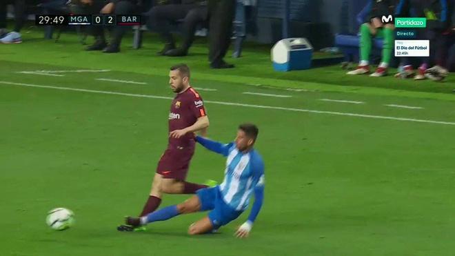 Vang Messi, Barca bay tren doi canh cua Suarez va Coutinho hinh anh 6