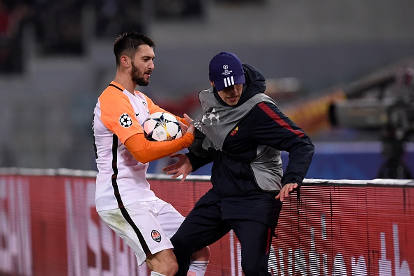 Dzeko lap cong dua AS Roma vao tu ket Champions League hinh anh 10