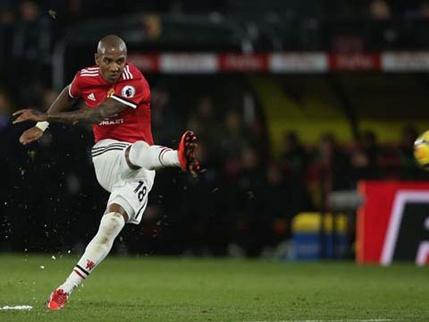 Cham diem MU 2-0 Swansea: Sanchez toa sang hinh anh 5
