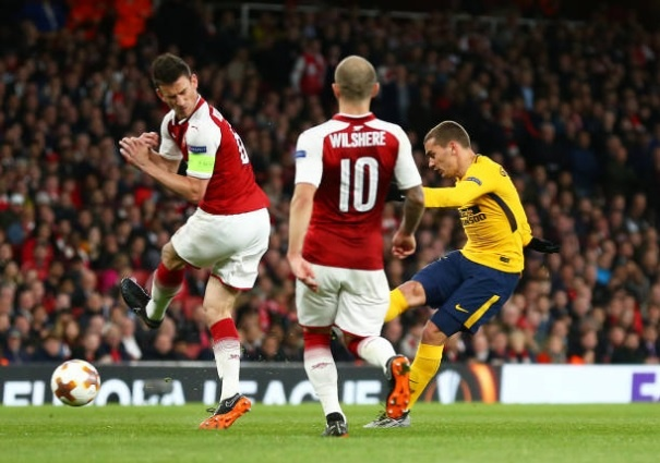 Griezmann lap cong giup 10 nguoi Atletico cam hoa tren san Arsenal hinh anh 11