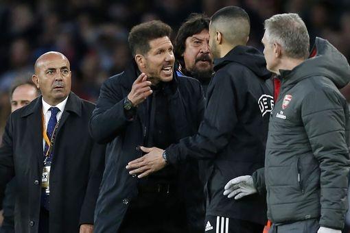 Griezmann lap cong giup 10 nguoi Atletico cam hoa tren san Arsenal hinh anh 5