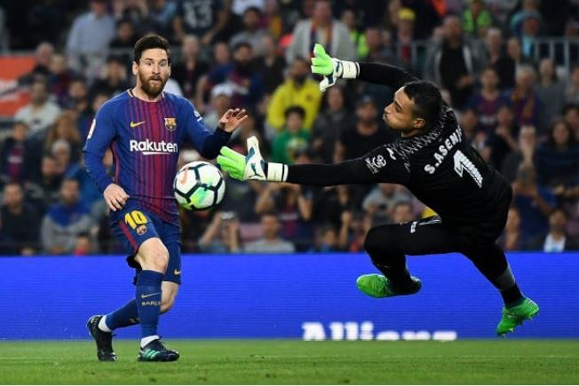 De bep Villarreal 5-1, Barca noi dai chuoi tran bat bai o La Liga hinh anh