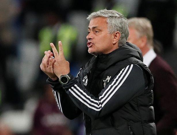 Bi West Ham cam hoa, Mourinho tiet lo 4 cau thu duoc da tran ha man hinh anh 1