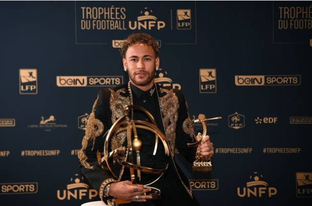 Nghi gan 3 thang, Neymar van duoc nhan giai hay nhat Ligue 1 hinh anh