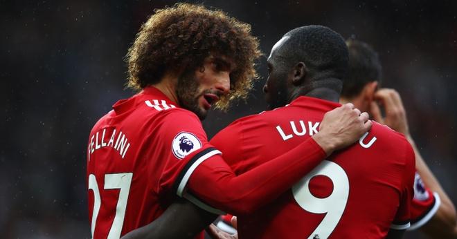 Thua Chelsea, Mourinho to Lukaku va Fellaini giu chan vi World Cup hinh anh