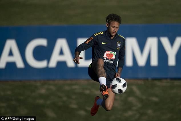 Tro lai luyen tap, Neymar san sang cho World Cup 2018 hinh anh 2
