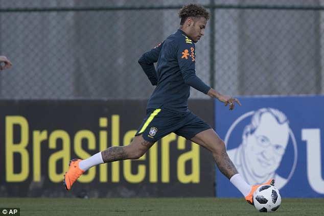 Tro lai luyen tap, Neymar san sang cho World Cup 2018 hinh anh 3