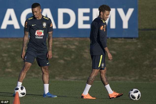 Tro lai luyen tap, Neymar san sang cho World Cup 2018 hinh anh 4