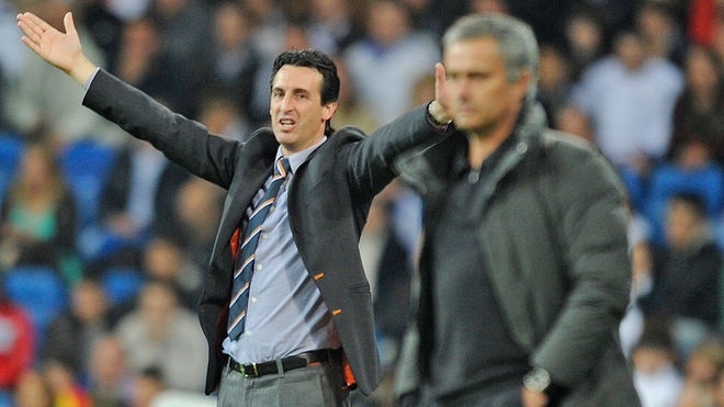 Cong kich Mourinho, Unai Emery duoc CDV Arsenal ung ho hinh anh 1
