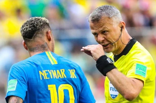 Neymar chan duong va gay han voi trong tai hinh anh