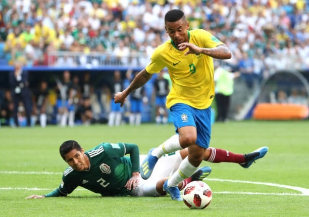 Cham diem Brazil 2-0 Mexico: Tuyet voi Neymar anh 10