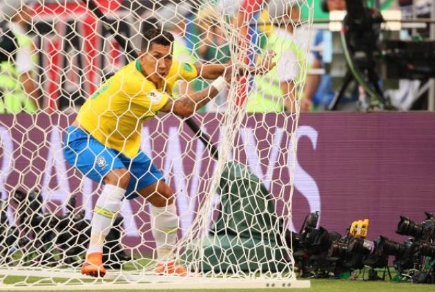 Cham diem Brazil 2-0 Mexico: Tuyet voi Neymar anh 12