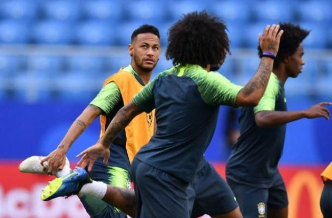 Neymar doi kieu toc truoc tran 'sinh tu' voi Mexico hinh anh 2
