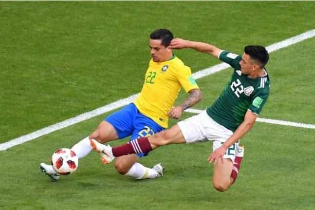 Cham diem Brazil 2-0 Mexico: Tuyet voi Neymar anh 2