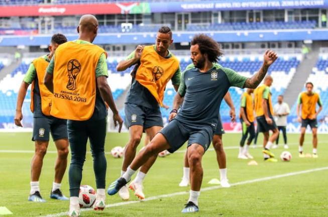 Neymar doi kieu toc truoc tran 'sinh tu' voi Mexico hinh anh 4