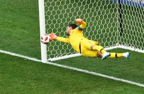 Cham diem Uruguay 0-2 Phap: Than may man giup Griezmann toa sang hinh anh 1