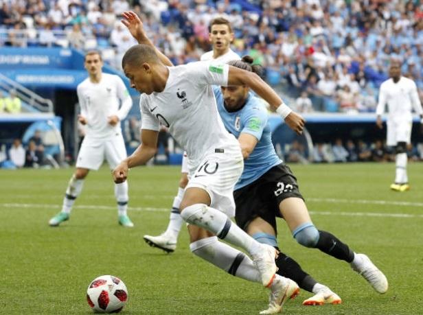 Cham diem Uruguay 0-2 Phap: Than may man giup Griezmann toa sang hinh anh 9