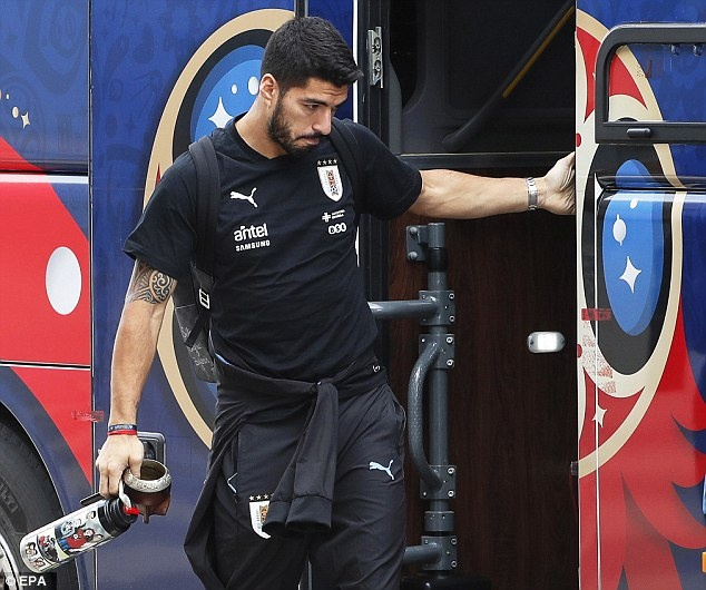 Suarez cung tuyen Uruguay buon ba ve nuoc hinh anh 1