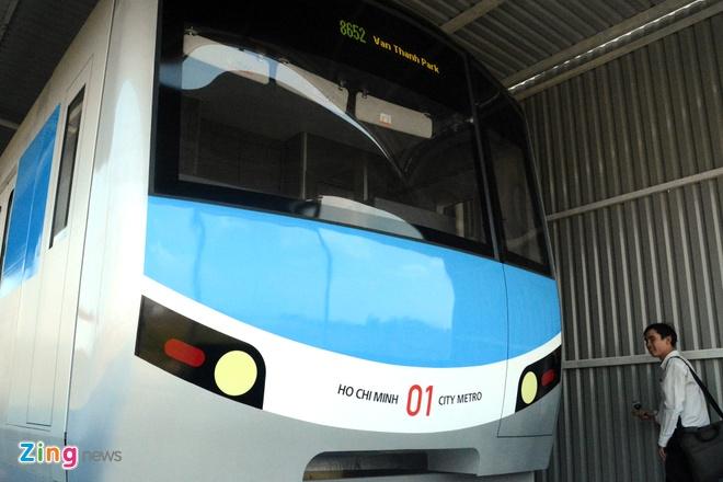 Ben trong tau dien ngam tuyen metro so 1 TP HCM hinh anh 12