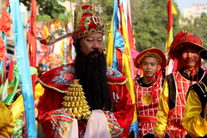 Nguoi Hoa song o Sai Gon ra duong dieu hanh hinh anh