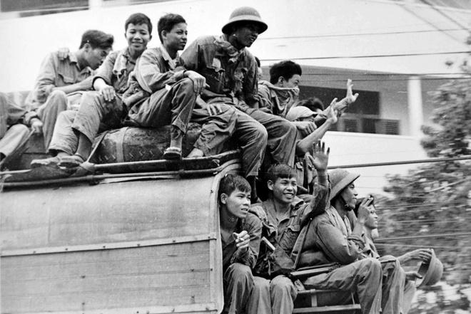 Khoanh khac Sai Gon 30/4/1975 cua thanh nien 19 tuoi hinh anh
