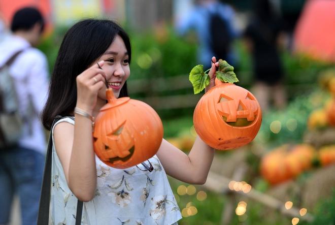 Vuon bi ngo dam chat Halloween o Sai Gon hinh anh