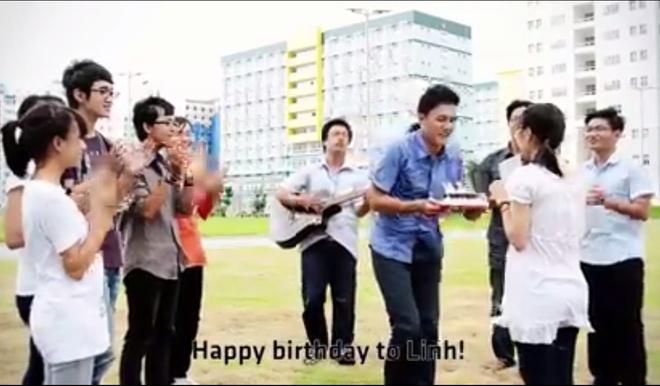 Ki tuc xa dep lung linh qua clip 'Chuyen KTX 2013' hinh anh