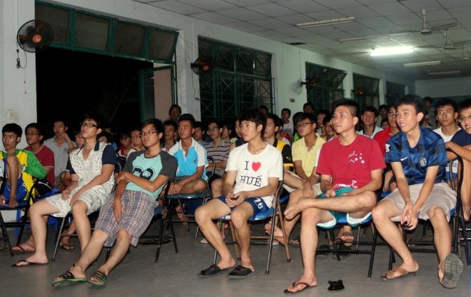 Muon kieu xem World Cup cua sinh vien Sai Gon hinh anh 2