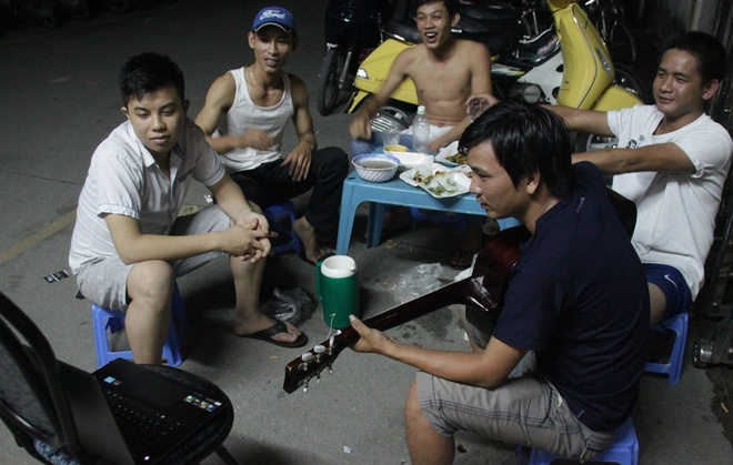 Muon kieu xem World Cup cua sinh vien Sai Gon hinh anh 11