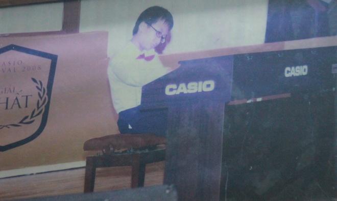 Chan dung 9X lap lai thanh tich cua GS Ngo Bao Chau hinh anh 2 Huy biết chơi Piano từ nhỏ.