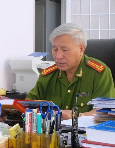 Khoi to vu hang tram pham nhan lam loan hinh anh 1 Đại tá Lê Quốc Phấn, Giám thị Trại giam K1-Cái Tàu.